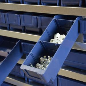 Regallade für die Lagerung von Kleinteilen