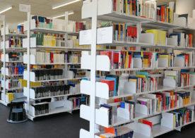 Bibliotheksregale für Fachhochschule