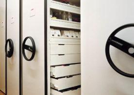 Regale für Kliniken und Gesundheitseinrichtungen mit antibakterieller Beschichtung